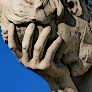 Paris_Tuileries_Garden_Facepalm_statue-mod2